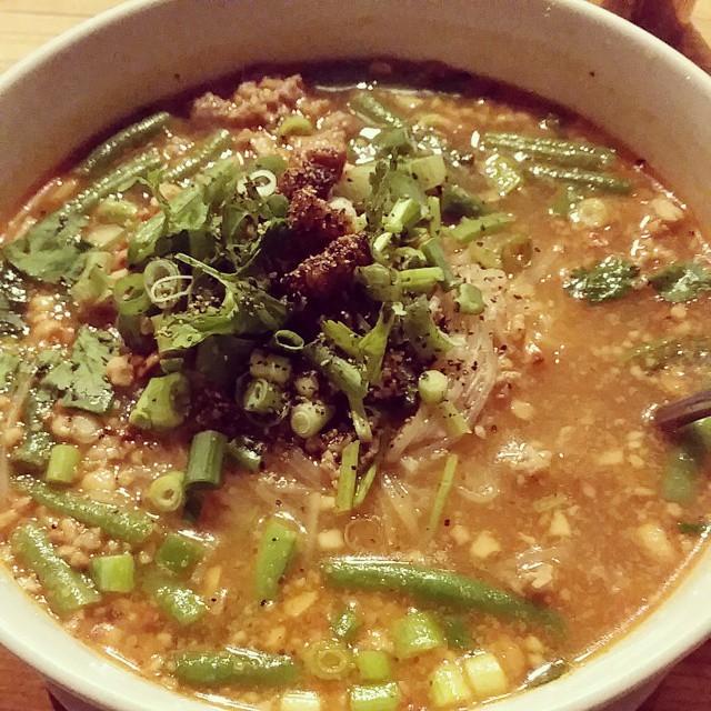 Sopa estilo Tailandes con fideos de shirataki . Muy muy rica y calentita para el frio.