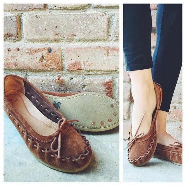 Estos son los zapatos minimalistas que me gustan usar en invierno. No solo son súper cómodos pero también tienen un efecto