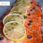 Salmón horneado con limón y tomillo
